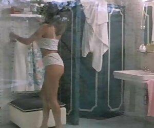 Milf caliente Holly Kiss ver sexo en español se encuentra con swinger colgado para diversión hardcore