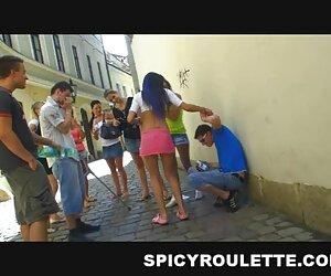 Tres chicas tetonas chupando una gran videos brazzer español polla y compartiendo un juguete