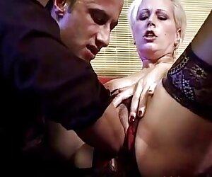 Trabajando grasos obtiene huesos después de pornoen español la digitación de coño