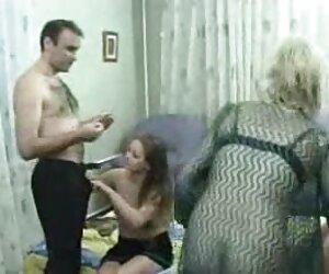 Sensual chupada y lamiendo porno sensual español los pies con la tetona Kayla Green y