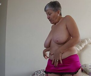 El culo de Gia Derza se pone mantequilla y se la follan videospornoenespañol duro