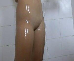 Rebecca Volpetti recibe sexo anal duro con maduras españolas gratis el culo abierto